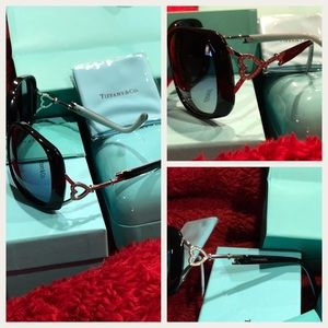 d2e0ce2922a6 Accessories - Tiffany   Co Sunglasses Bling 💍 on side